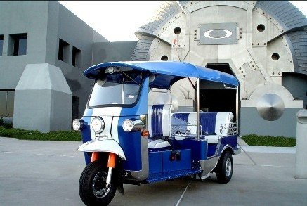 Tuk-tuk and Motobikes. About transportation in Thailand